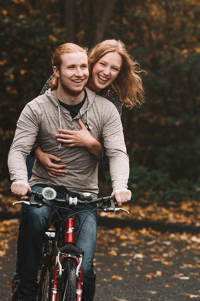 Paarfotoshooting auf dem Fahrrad in Siegen