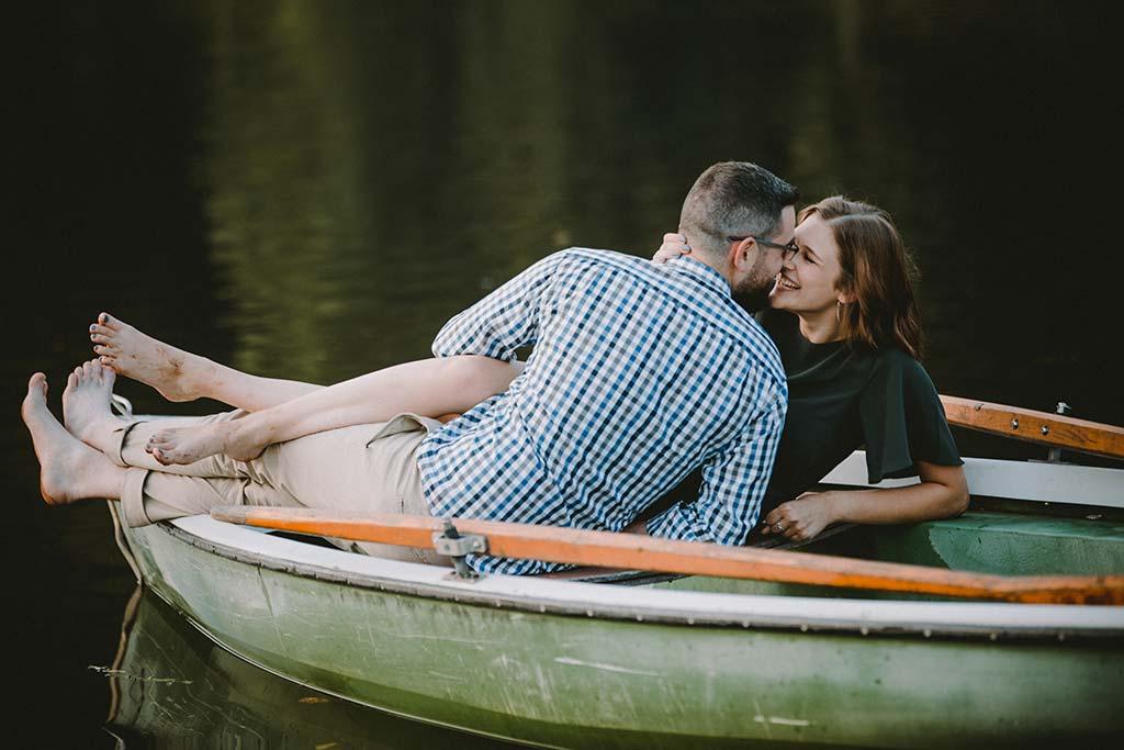 Paarshooting auf einem Ruderboot im Biggesee