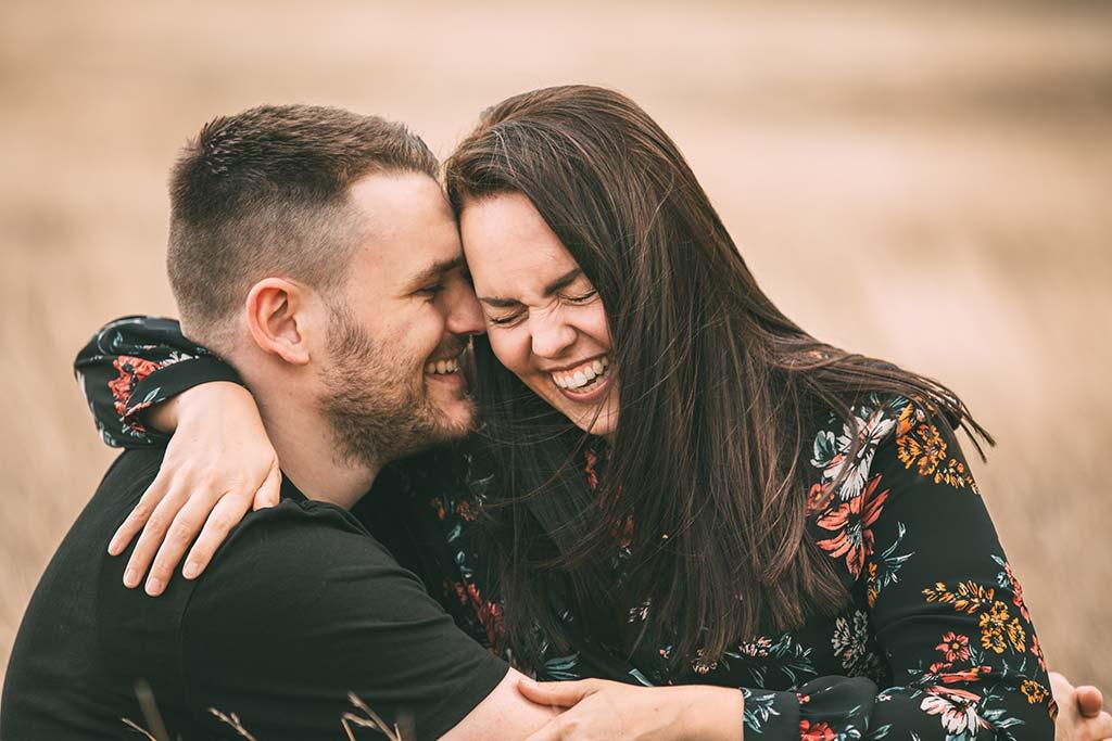 Paarshooting in Siegen lachendes Paar