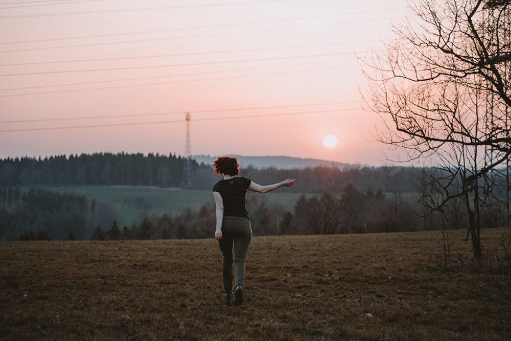 Lebensfreude Sonnenuntergang Rennen