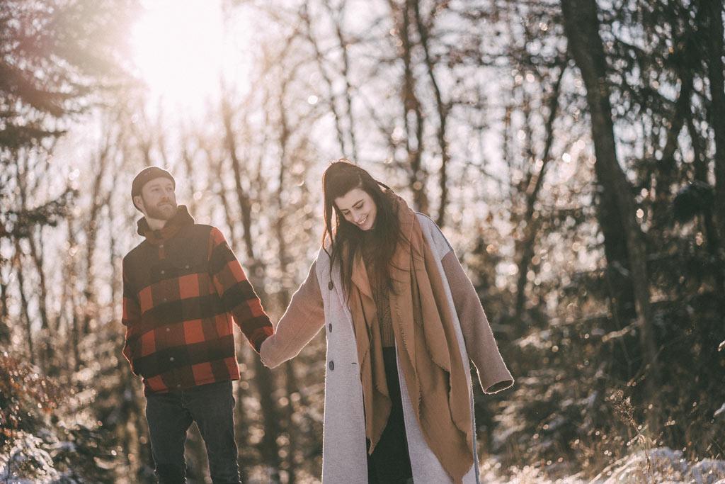 Fotoshooting Paar im Winter Sonne