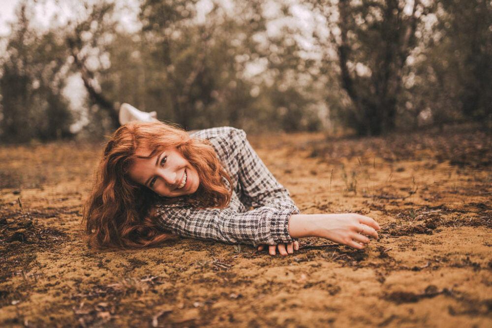 Lachendes Model auf dem Monte Schlacko