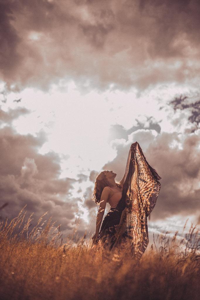 Fotoshooting in Siegen Mit Tuch von Shovava Gegenlicht Unwetter