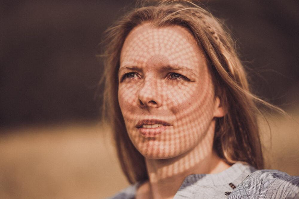 Portraitfoto mit Licht und Schatten